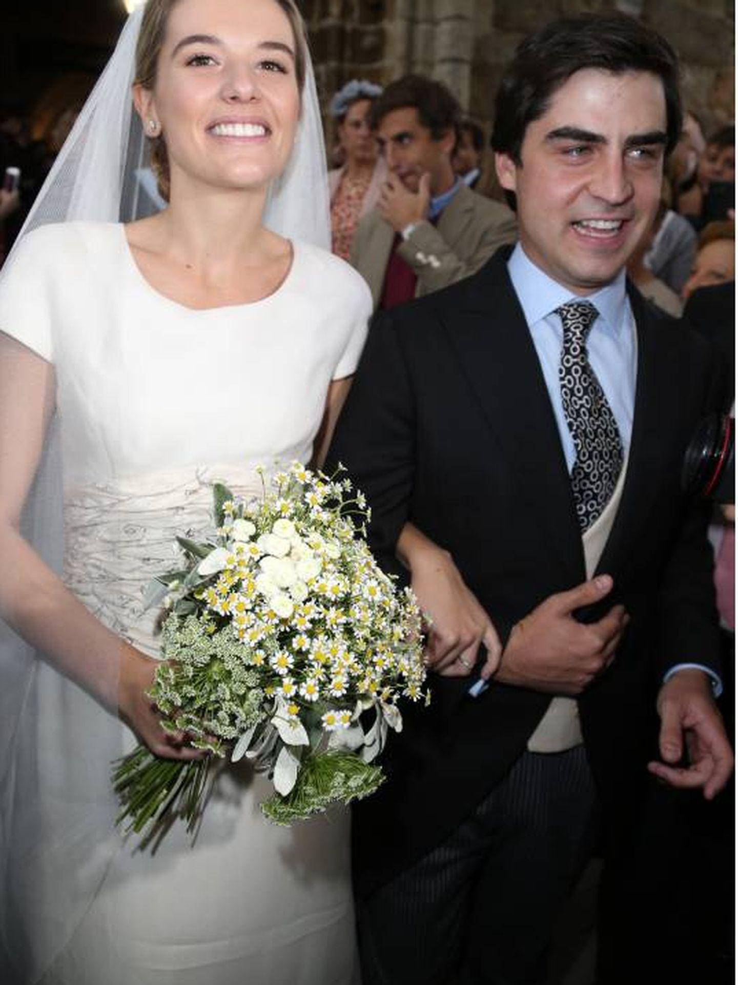 Irene Michavila, luciendo el traje de novia de su madre. (José Martín)