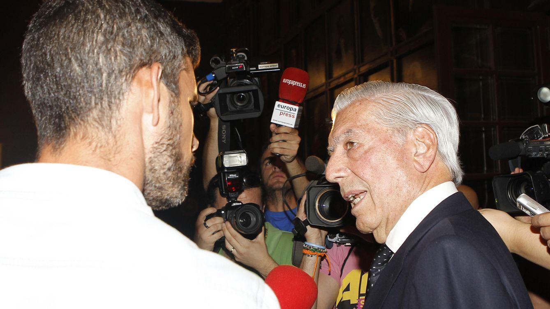 "Foto: Vargas Llosa arremete contra la prensa española: ""Me he sentido maltratado"""