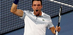 Post de Cómo descolocar a Djokovic dos veces: la 'nueva' cabeza de Roberto Bautista