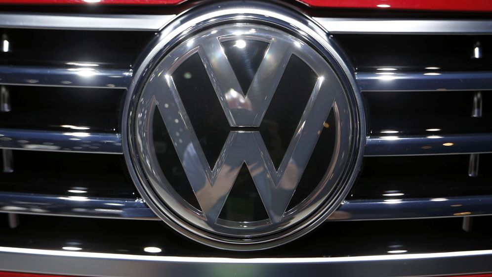 Foto: Detalle del logotipo de Volkswagen. (Reuters)