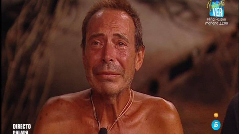 Las lágrimas del Maestro Joao tras la expulsión de Romina de 'Supervivientes'. (Telecinco)