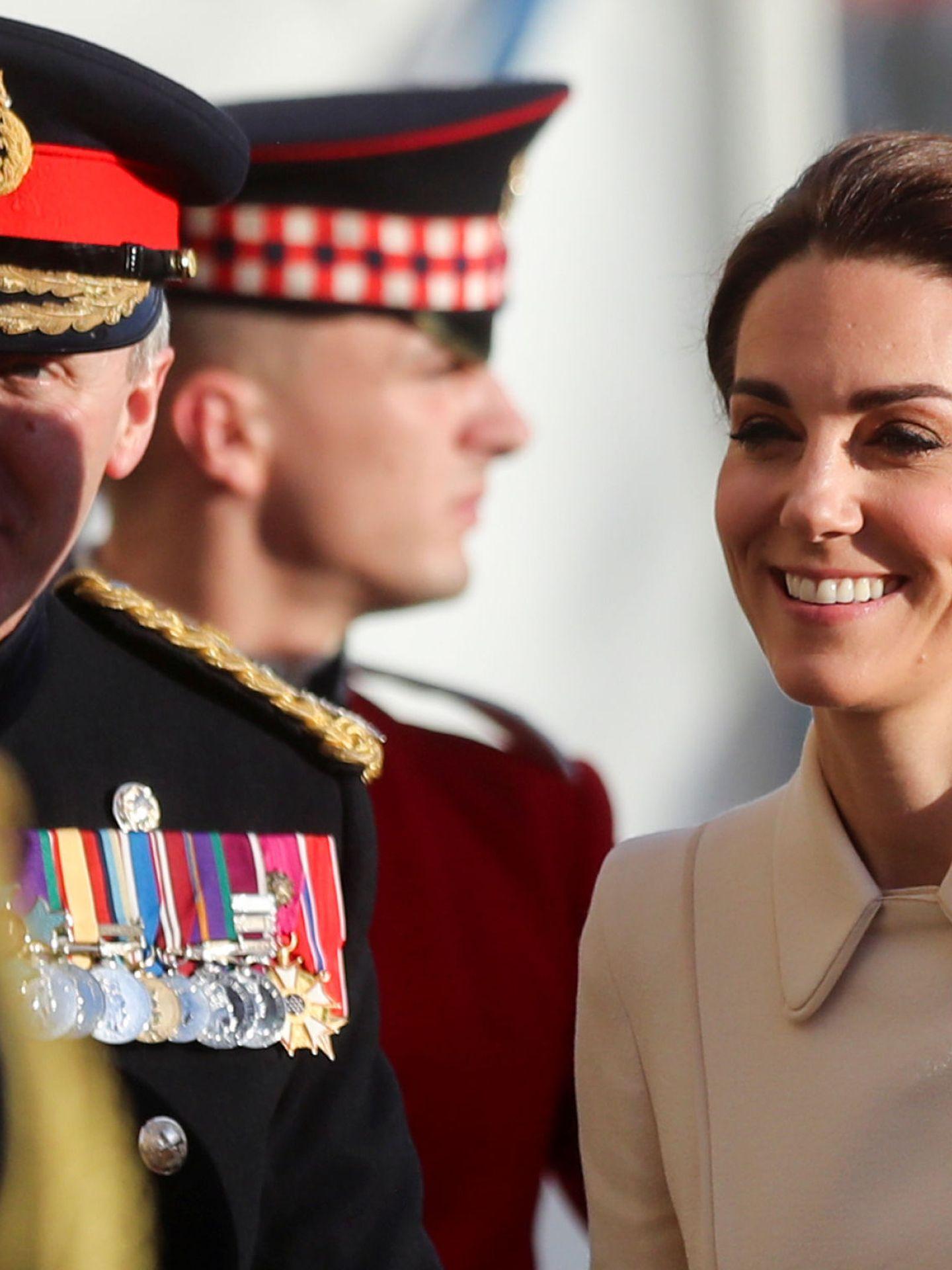 Kate Middleton en 2019 con un broche en forma de trebol. (REUTERS)