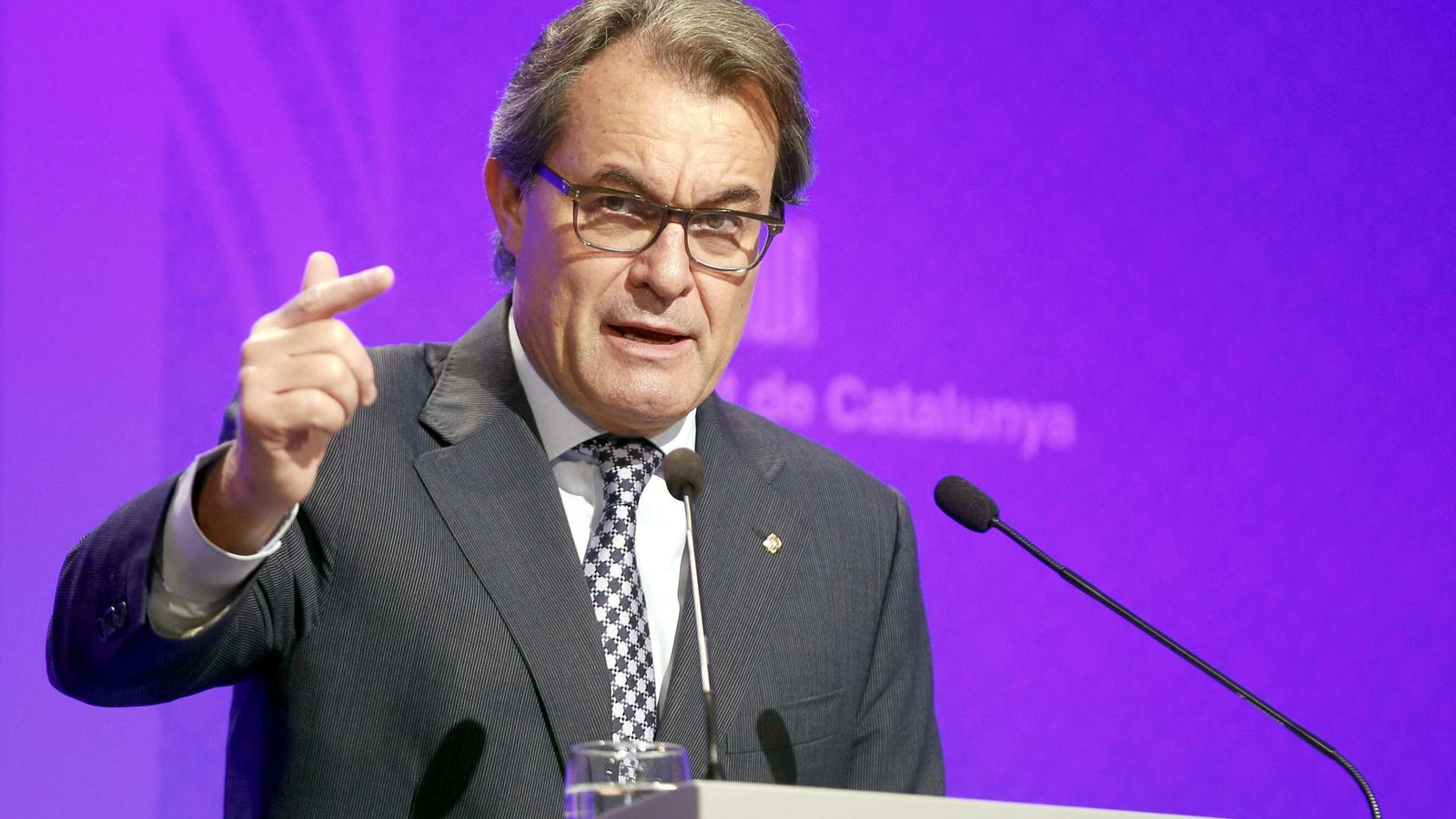 Foto: El presidente de la Generalitat en funciones, Artur Mas, durante la rueda de prensa que ha ofrecido este miércoles. (Efe)