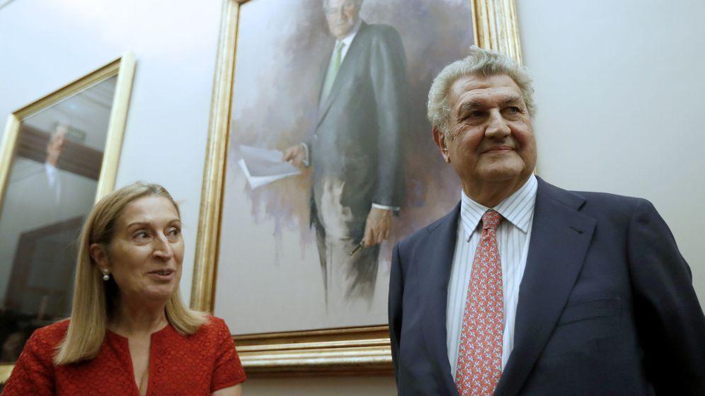 Foto: La presidenta del Congreso, Ana Pastor, junto a su antecesor en el cargo, Jesús Posada. (EFE)