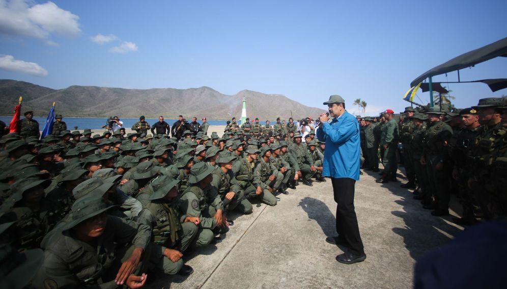 Foto: Fotografía cedida por prensa de Miraflores que muestra al presidente venezolano, Nicolás Maduro, durante un acto de gobierno celebrado este domingo, en Turiamo, Venezuela. (EFE)