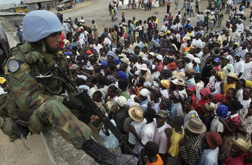 Foto: Los haitianos votan para salir de la crisis que derrocó a Aristide