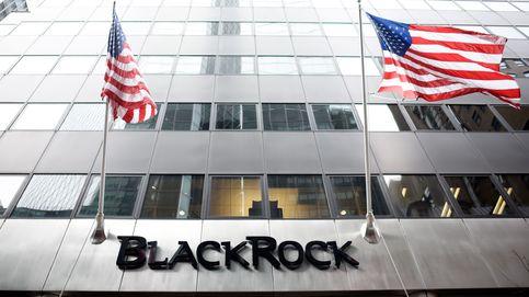 BlackRock apuesta por la banca española y sube su participación en Caixa y Sabadell