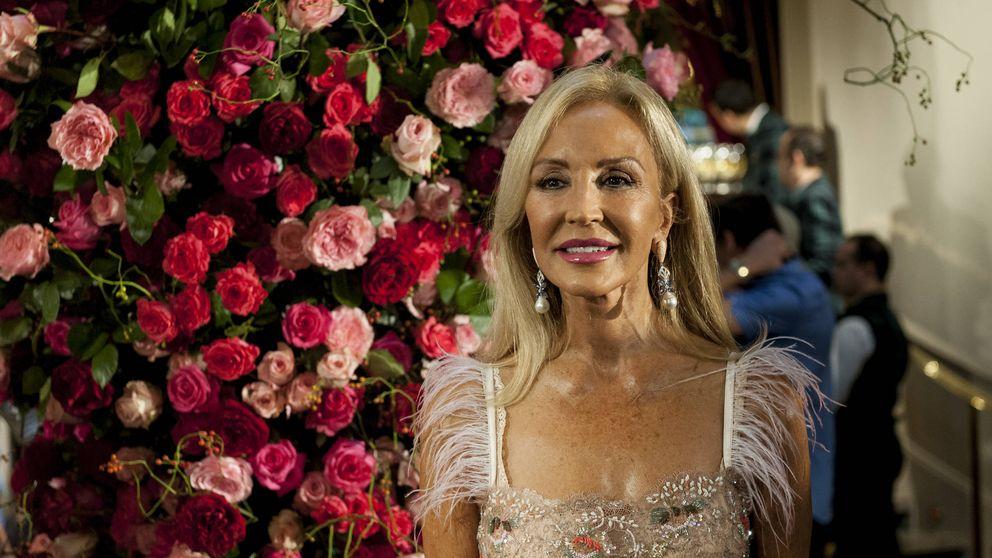Carmen Lomana tiene el escote más elegante de Instagram y de Stradivarius