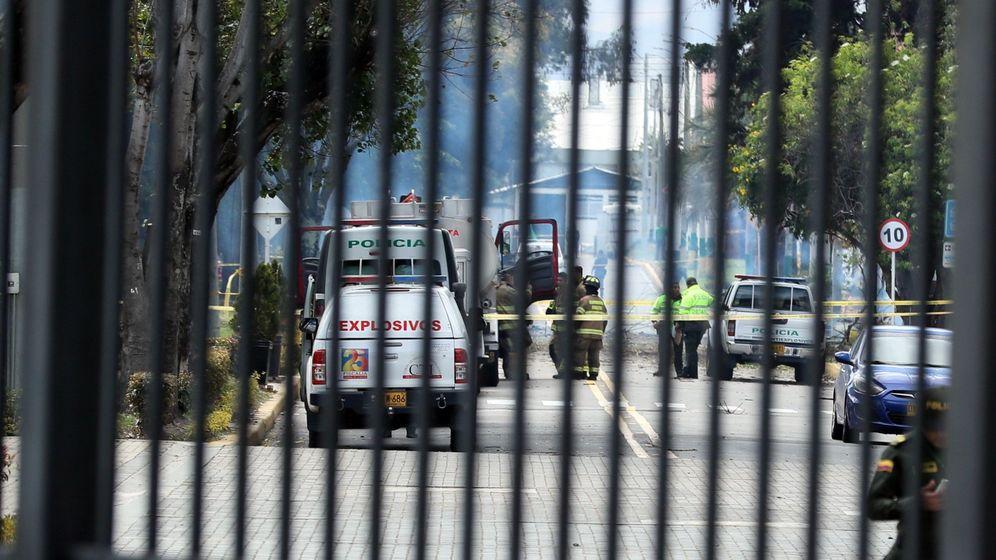 Foto: Vista general del lugar donde se ha producido la explosión, en la Escuela General Santander de la Policía en Bogotá