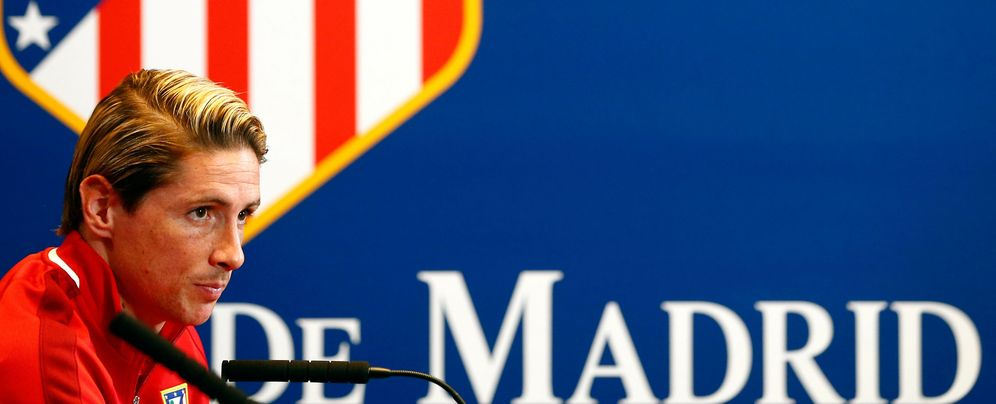 Foto: Fernando Torres, durante la rueda de prensa previa a la visita del Bayern. (REUTERS/Michael Dalder)
