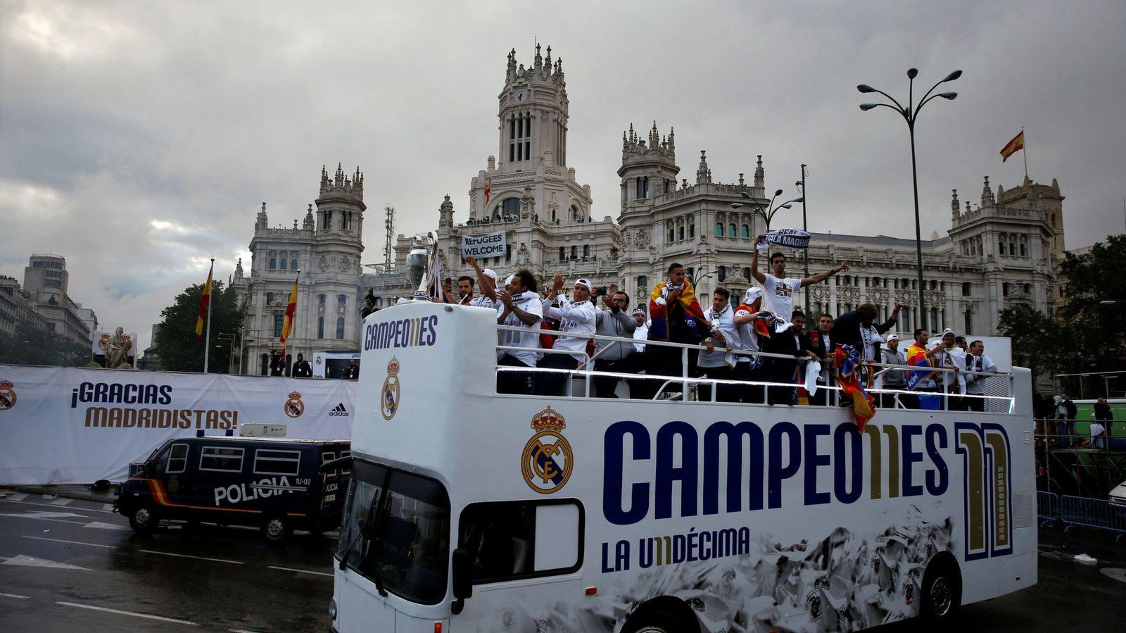 Foto: El Madrid llegó a Cibeles de día (Susana Vera/Reuters)
