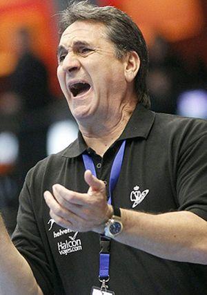 Valero Rivera mantiene el bloque de la selección española para el Mundial de balonmano