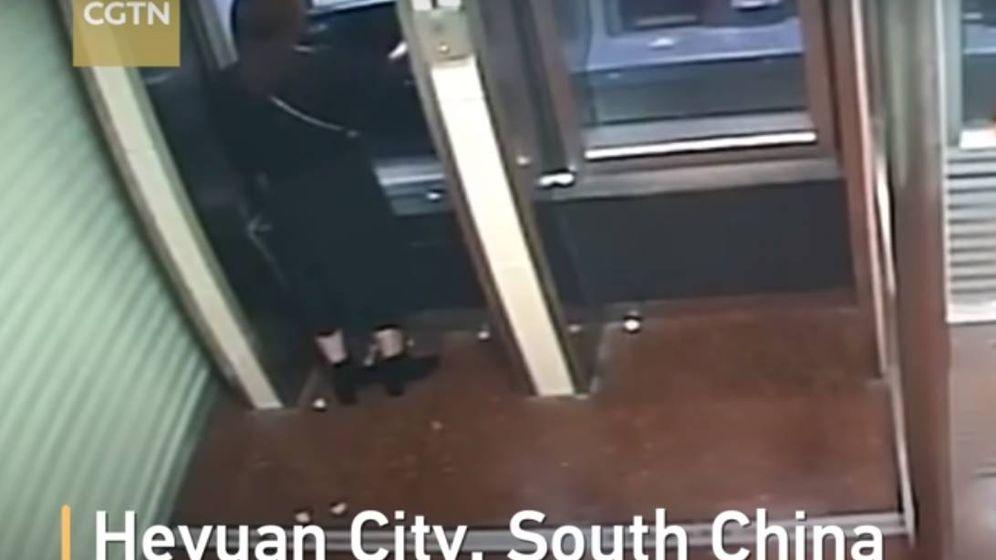 Foto: Captura del vídeo grabado por las cámaras de seguridad.