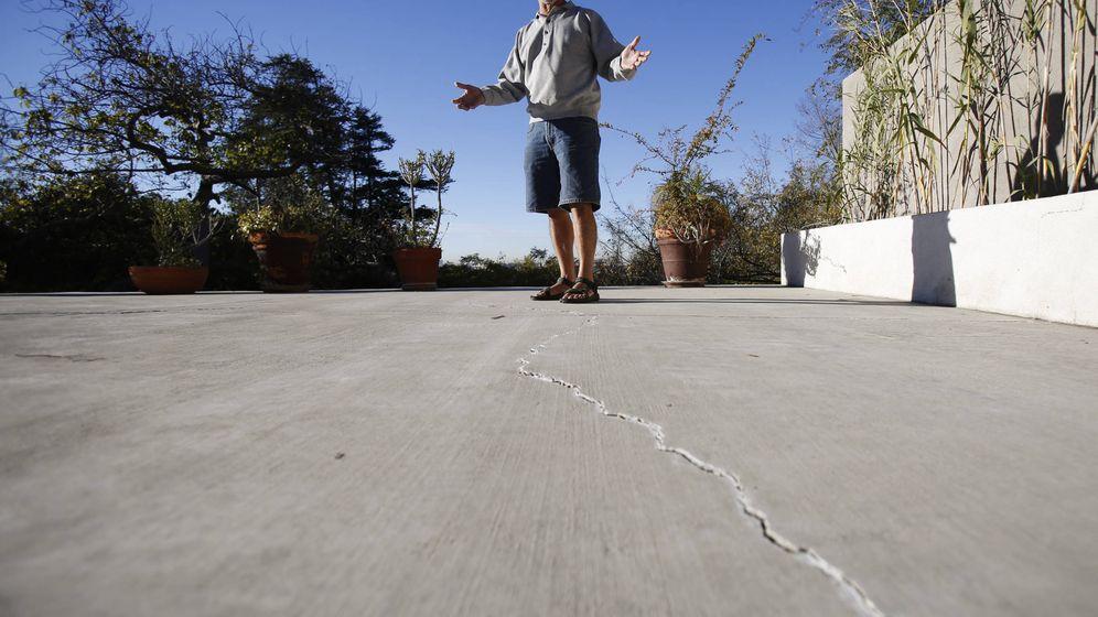 Foto: Un ciudadano estadounidense de clase media en su patio de Los Ángeles, California. (Reuters)