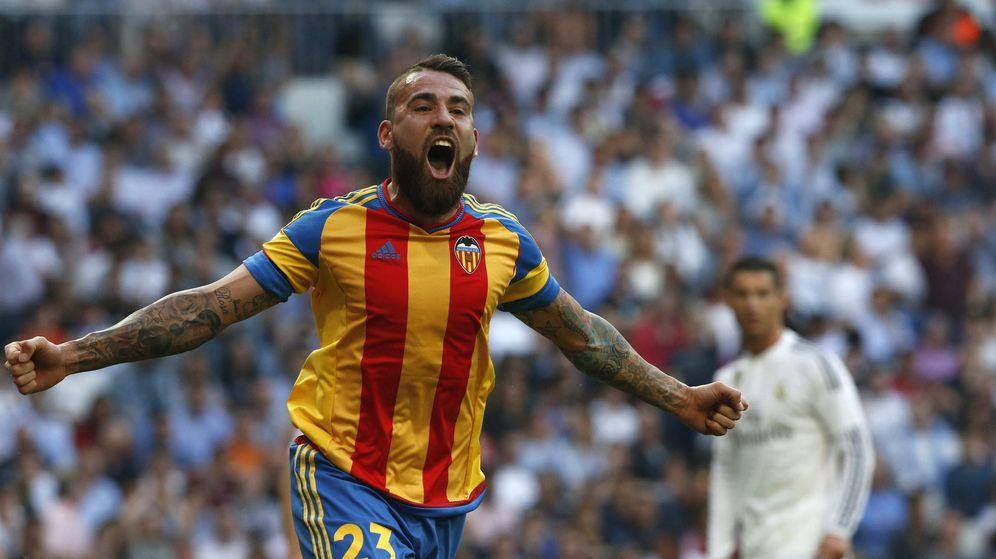 Foto: Otamendi celebrando un gol frente al Real Madrid.