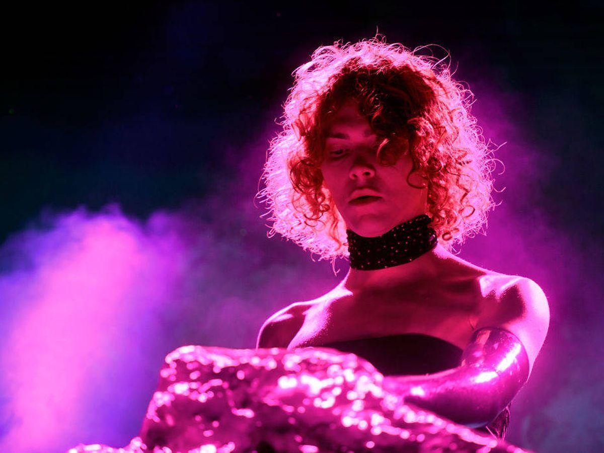 Foto: Sophie Xeon en el Festival de Coachella en 2019. (Getty)