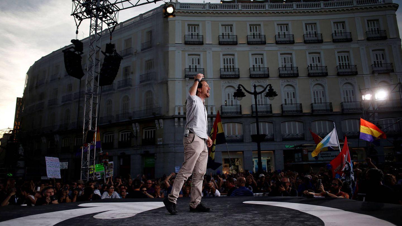 Pablo Iglesias ofrece un discurso en la Puerta del Sol, en 2017. (Reuters/Juan Medina)