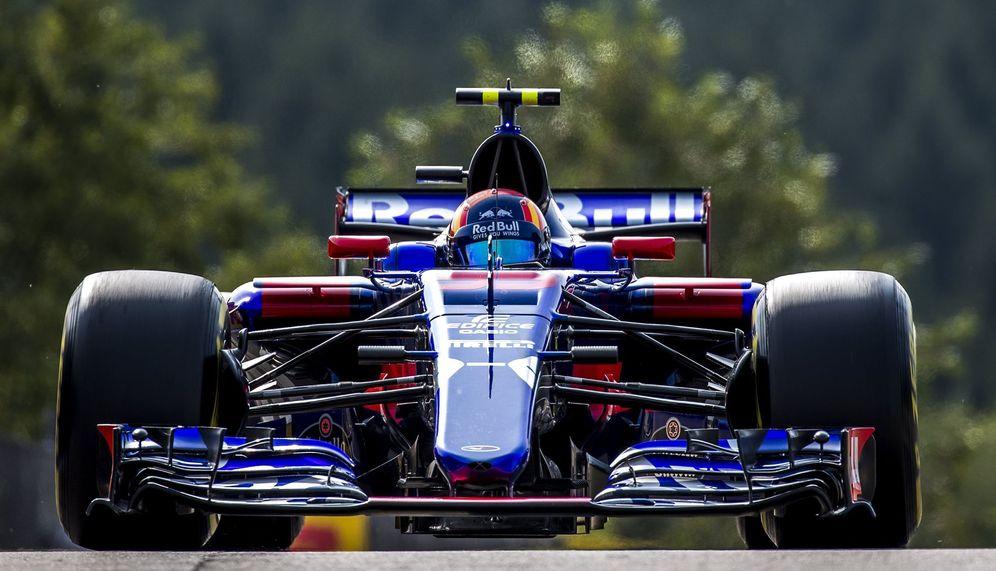Foto: En la imagen, Carlos Sainz en su Toro Rosso. (EFE)