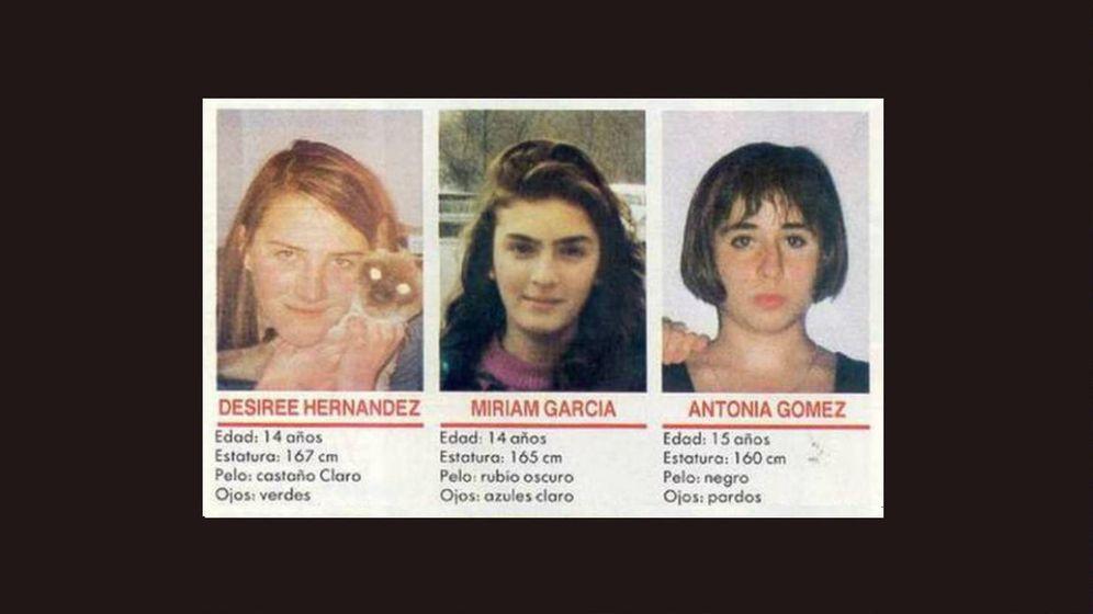 Foto: Cartel de búsqueda de las tres menores