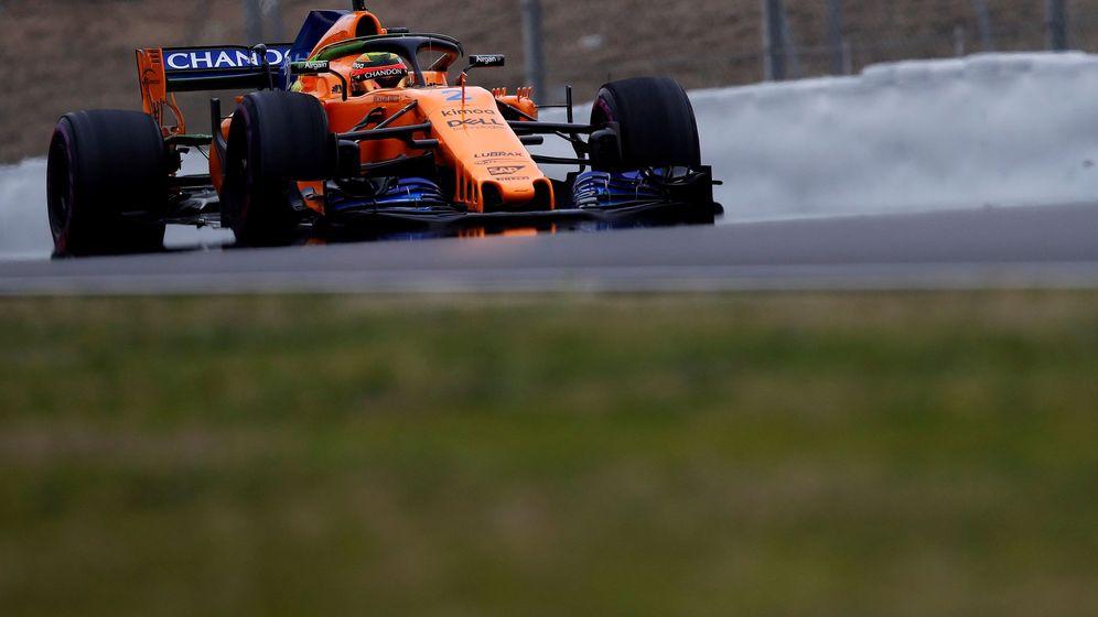 Foto: Tras el estreno de Fernando Alonso, este martes fue el turno de Stoffel Vandoorne. (EFE)