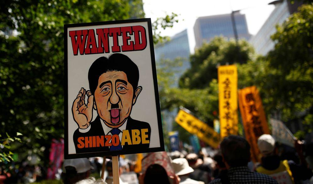 Foto: Protesta contra las políticas del Gobierno de Shinzo Abe en Tokio, en junio de 2016. (Reuters)