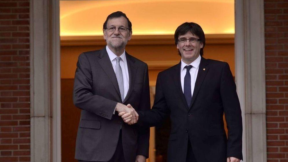 Foto: Rajoy y Puigdemont, durante su última visita a Moncloa. (EFE)