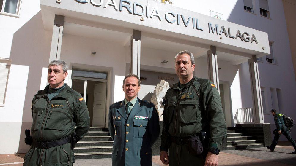 Foto: Los miembros de los Tedax de la Guardia Civil Ángel Carlos Rodríguez (i), Emilio Caba (c) y Óscar Leal (d) que participaron en las labores de rescate de Julen. (EFE)