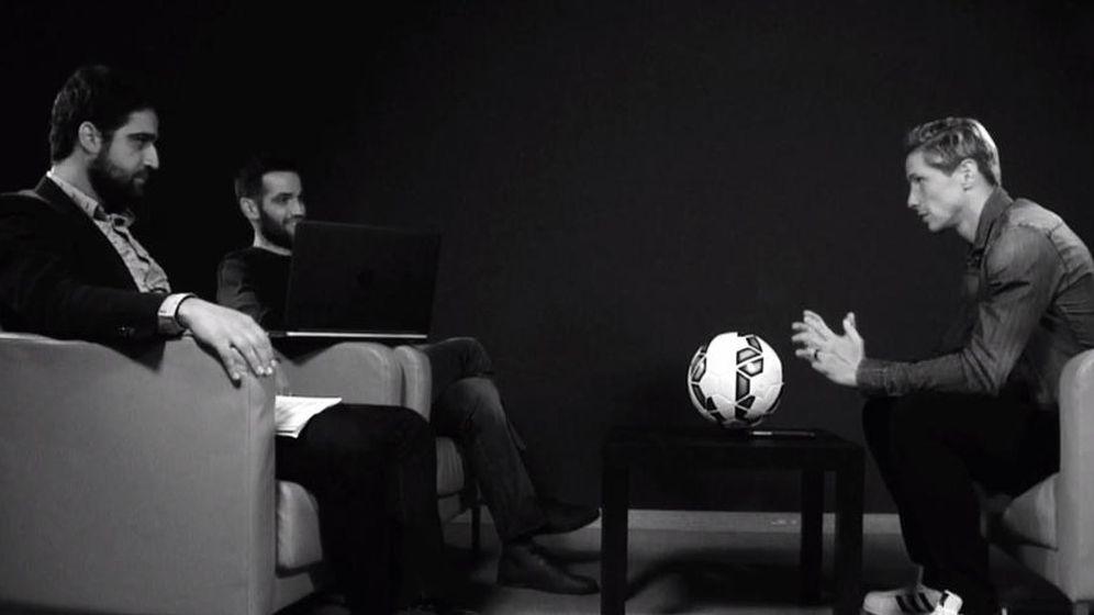 Foto: Torres a Carlos Matallanas: Yo sólo juego al fútbol; tú haces que nos superemos