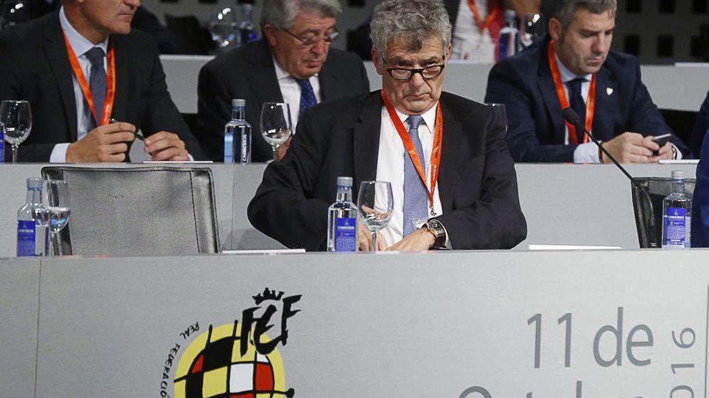 Foto: Ángel María Villar, durante una asamblea extraordinaria de la Federación Española de Fútbol el pasado octubre. (EFE)