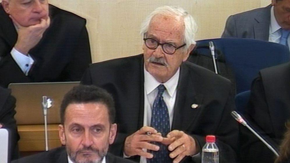 Foto: El abogado de ADADE, Mariano Benítez de Lugo, durante el juicio a Rajoy por la Gürtel (EFE)