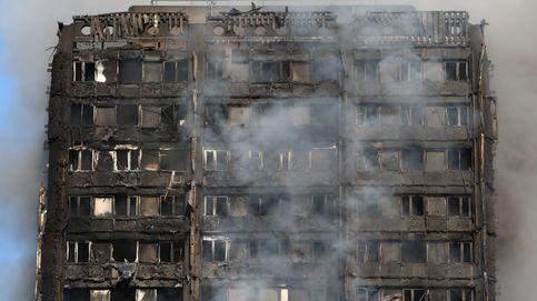 Desde las plantas de arriba pedían ayuda... y desaparecían entre las llamas