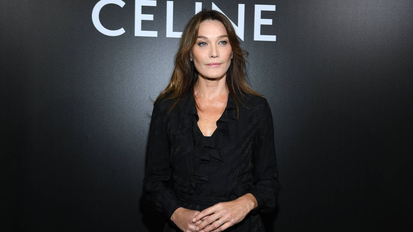 De Carla Bruni a Gala González: los looks de la Paris Fashion Week
