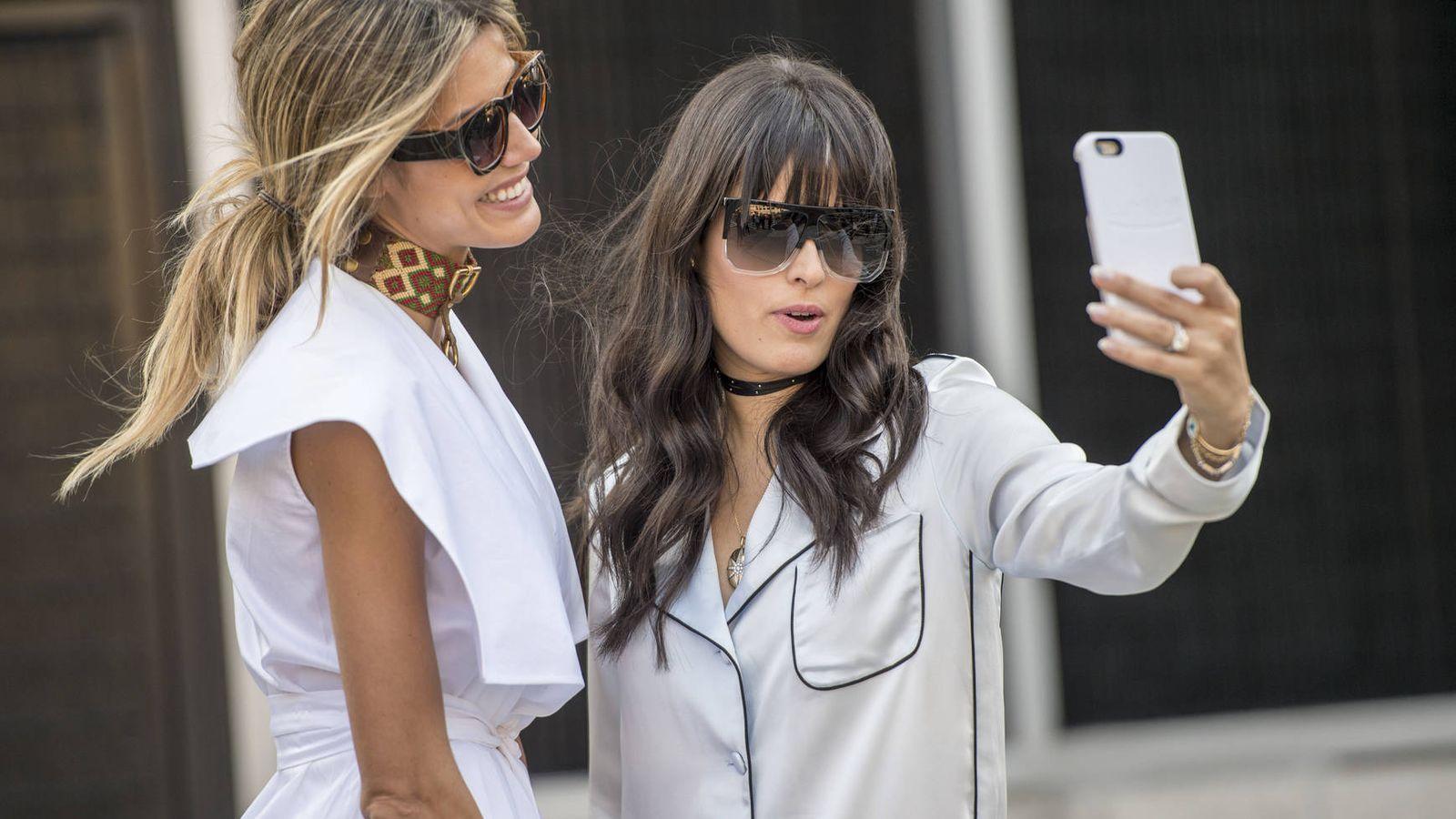 Foto: Selfies, mensajes instantáneos, vídeos o notas de voz. Estos son algunos de los síntomas que demuestran adicción a WhatsApp. (Foto: Imaxtree)