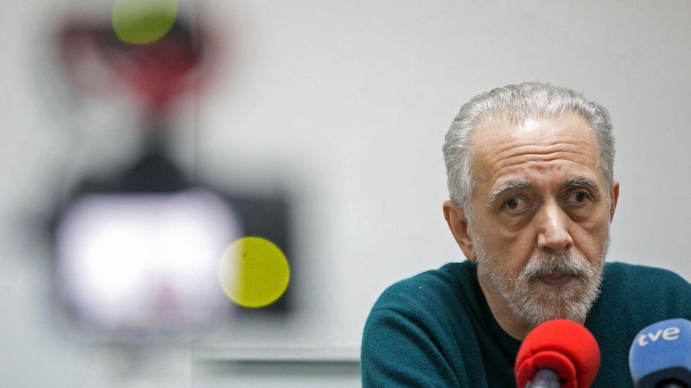 Foto: El director y realizador Fernando Trueba, este lunes en un coloquio sobre cine en Zaragoza. (EFE)
