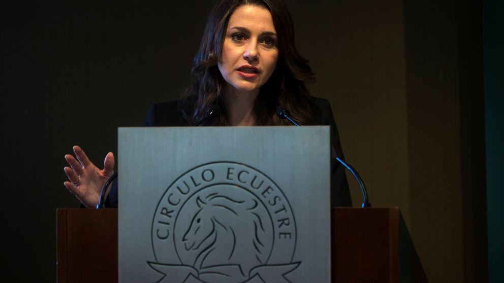 Arrimadas pide a Sánchez que no piense en votos y apoye una alternativa en Cataluña