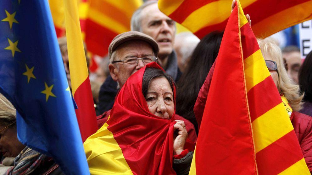 Miles de personas se concentran frente al Palau en contra de la independencia