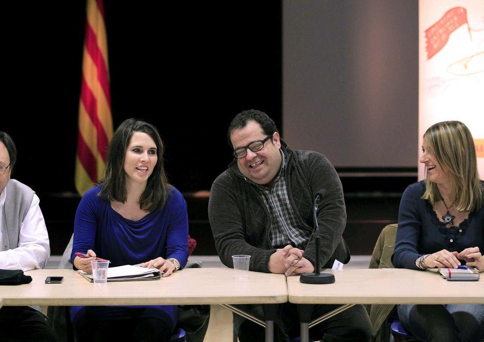 Foto: El dirigente de Avancem y diputado crítico del PSC, Joan Ignasi Elena (2d). (EFE)