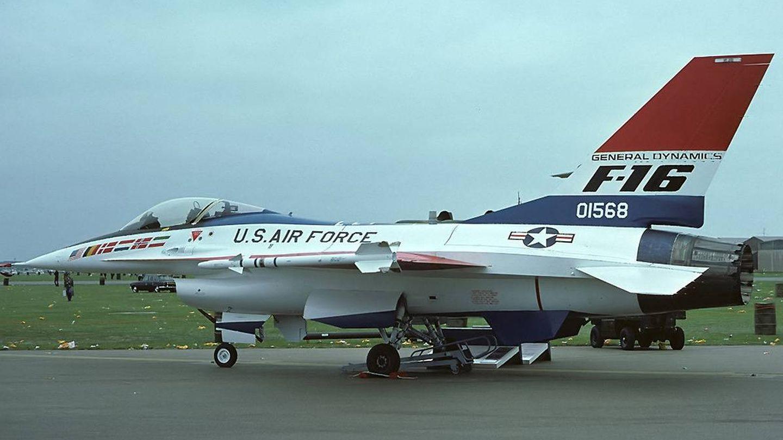 General Dynamics YF-16 Fighting Falcon, prototipo del F-16, en 1977. (Wikimedia Commons)