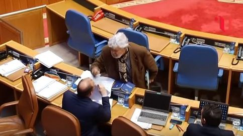 Una bronca en el Parlamento gallego se salda con la expulsión de Beiras