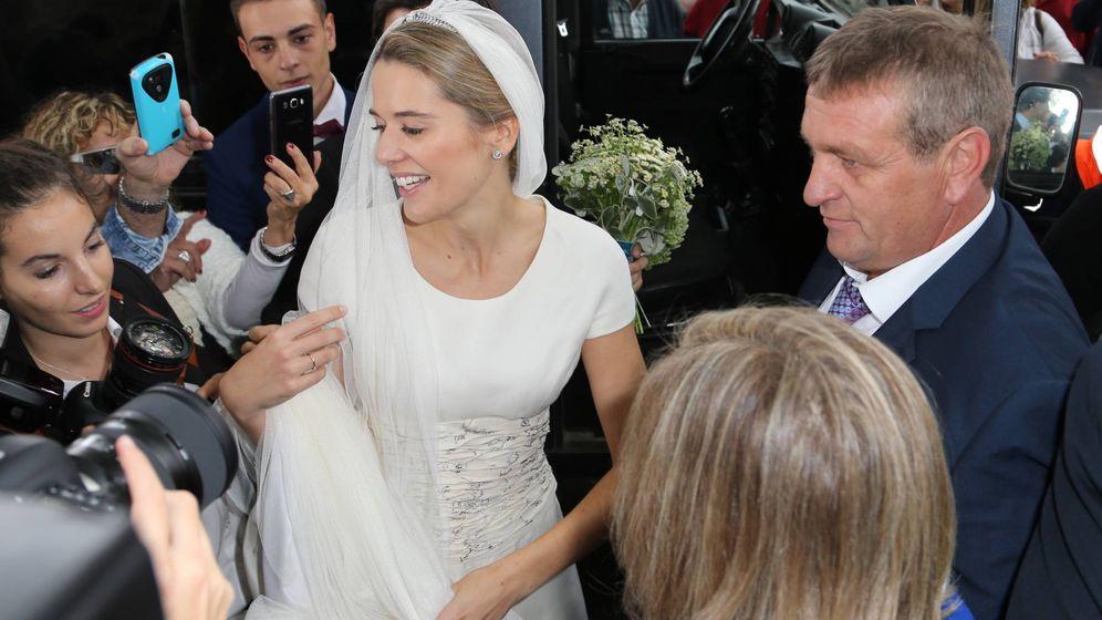 Foto: Irene Michavila, con el vestido de novia de su madre. (José Martín)