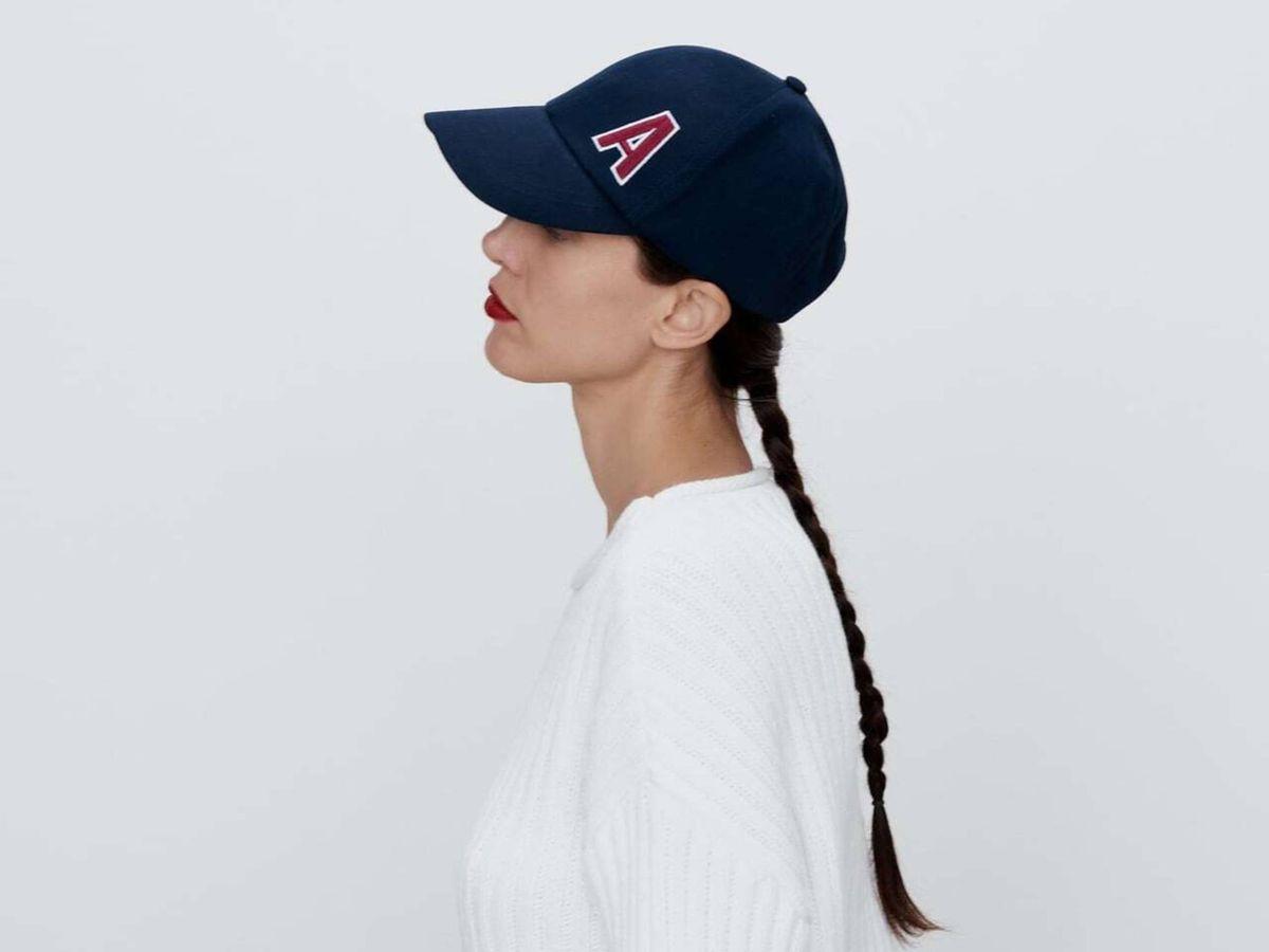 Foto: La gorra personalizada 'made in Zara'. (Cortesía)