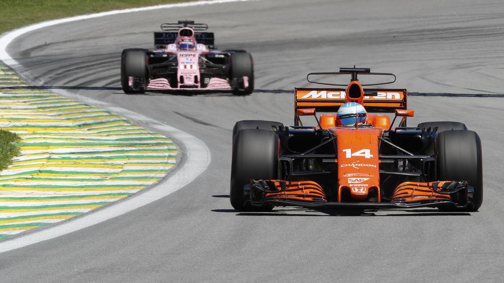 Foto: Fernando Alonso durante el GP de Brasil. (EFE)