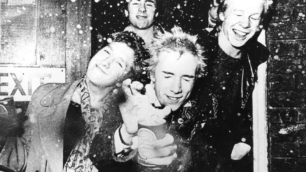 Foto: Imagen de The Sex Pistols a los que Jon Savage dedicó su libro 'England's Dreaming'. (EFE)