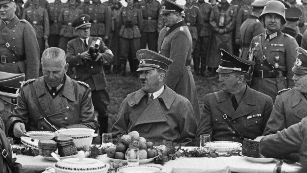 Foto: Hitler de almuerzo al aire libre