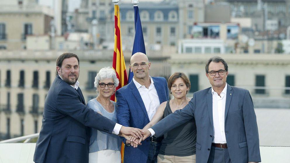 La lista de 'Junts pel Sí' de Mas y Junqueras roza los 32.000 candidatos