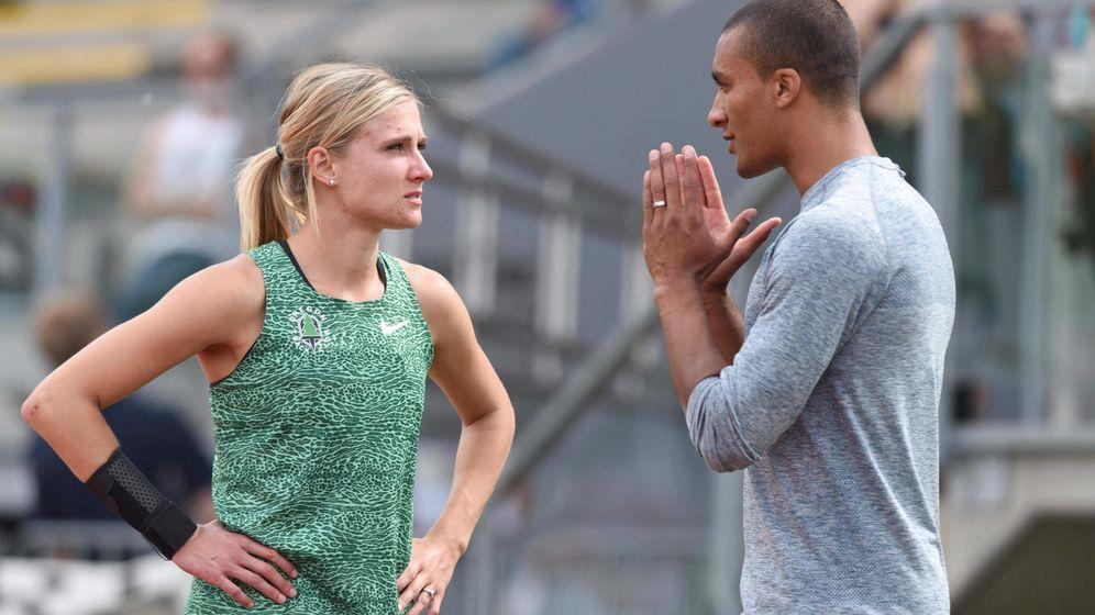 Foto: Brianne Theisen-Eaton y Ashton Eaton, en una competición de heptatlón. (Reuters)