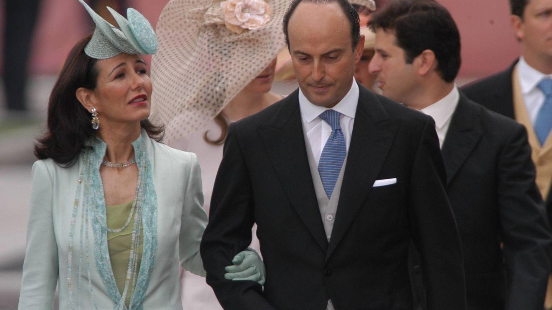 Ana Botín y Guillermo Morenés, en la boda de Felipe VI y Letizia Ortiz. (Cordon Press)