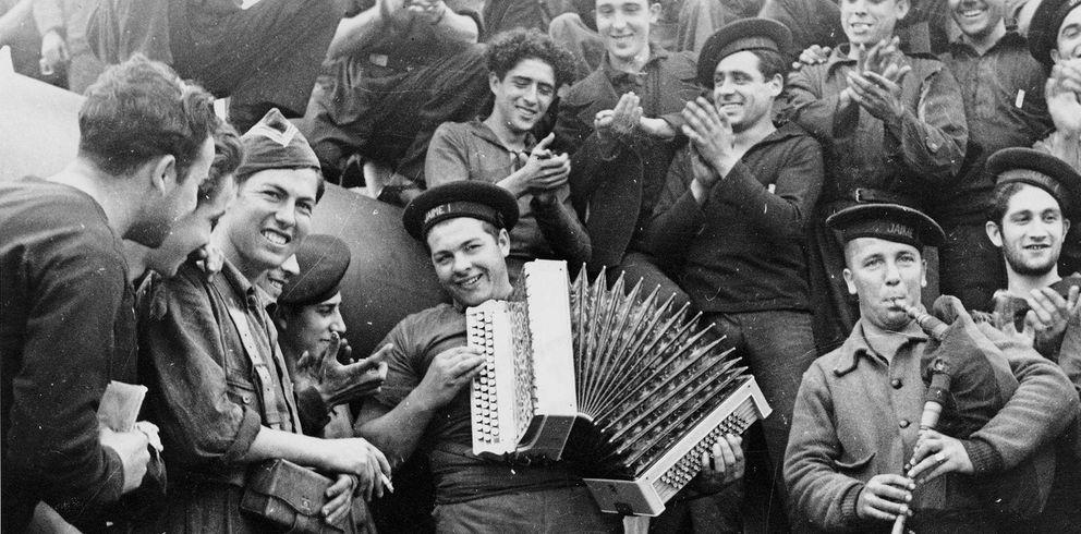 Foto: Imágenes de la Guerra Civil Española. Almería 1937, de Gerda Taro (EFE)