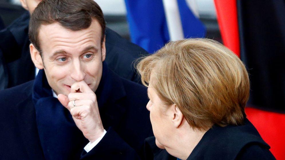 Foto: Emmanuel Macron (i) y Angela Merkel (d). (Reuters)