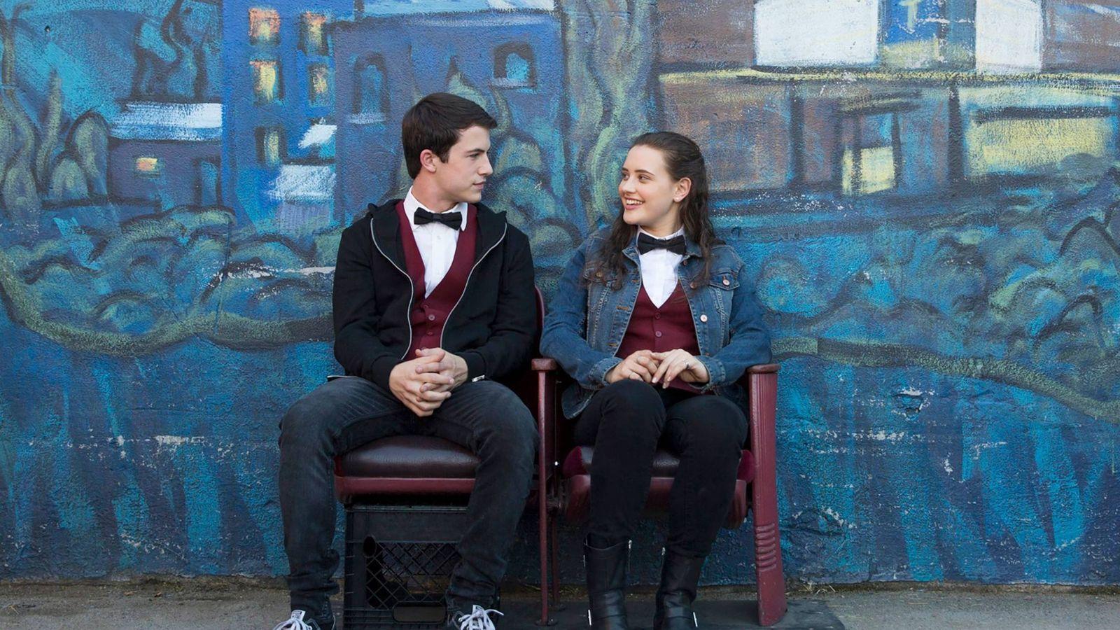 Foto: Logan Lerman y Katherine Langford en 'Por 13 razones'. (Netflix)